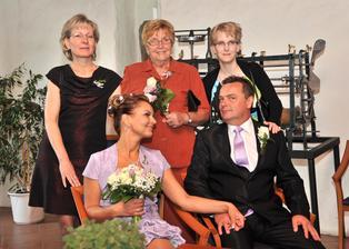 s maminkou ženicha, švagrovou Evčou a neteřinkou veterinářkou Evičkou