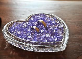 Naše vymazlené snubní prstýnky ještě jednou - design nevěsta ...