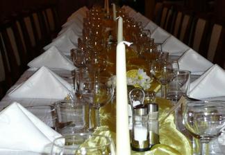 A stôl pre tých ostatných :)