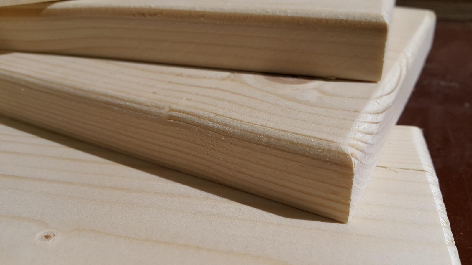 Komoda - Detail čiel na šuflíky
