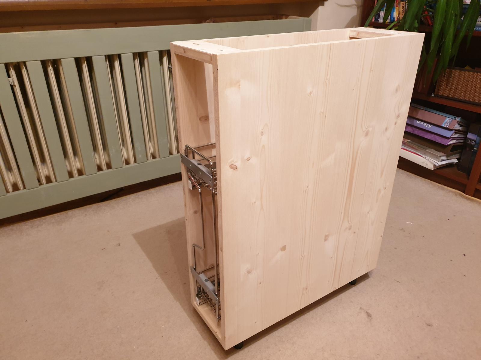 Kuchyňa svojpomocne - Prvá skrinka