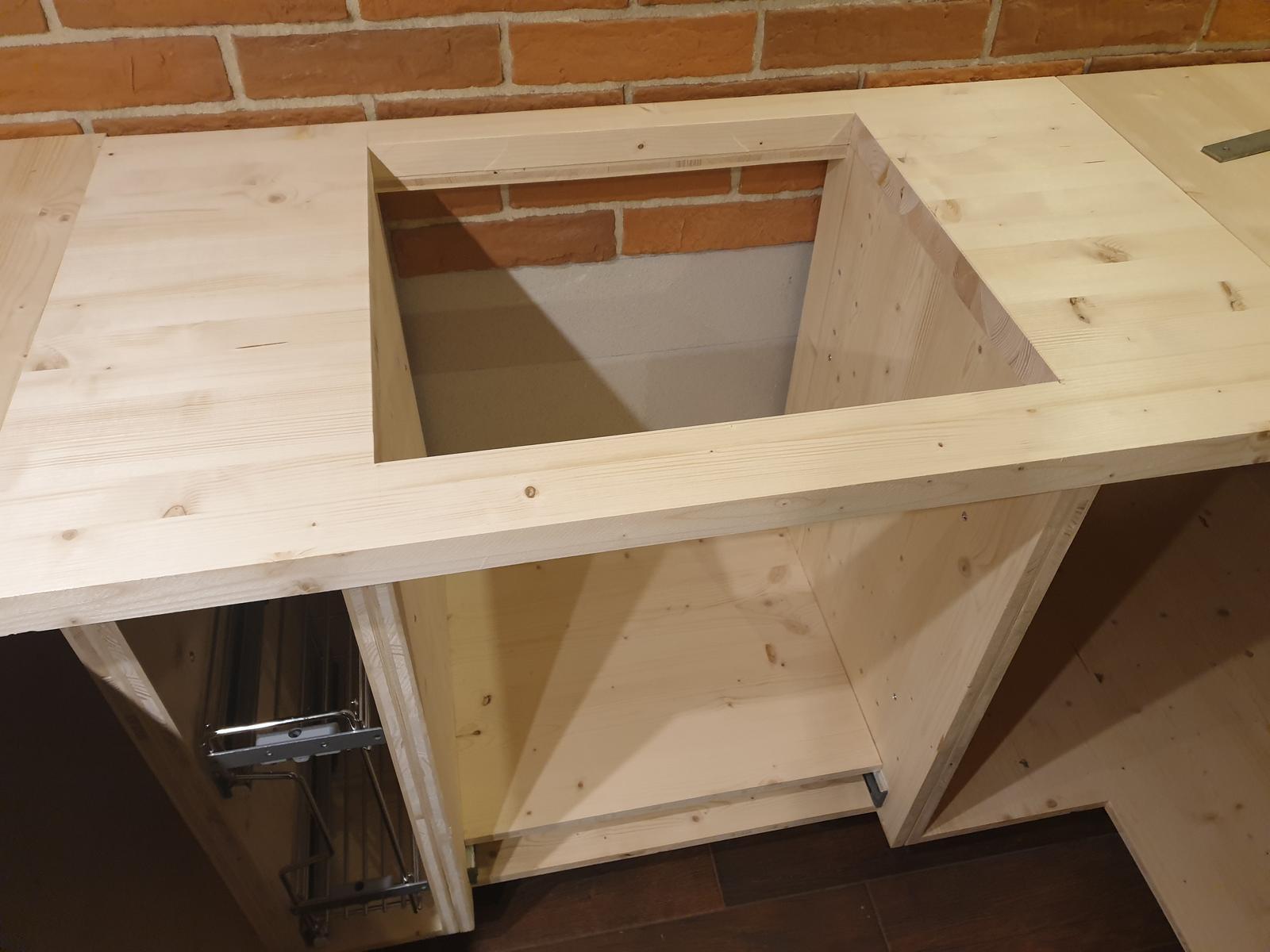 Kuchyňa svojpomocne - vypileny otvor na varnu dosku...
