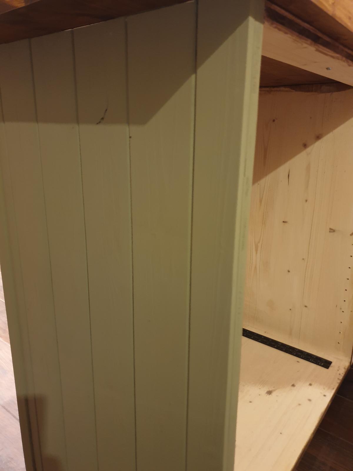Kuchyňa svojpomocne - detail palubky a predku skrinky