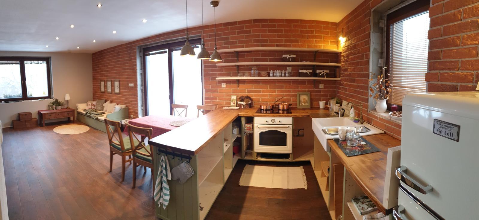 Kuchyňa svojpomocne - Panoráma z kuchyne do obývačky