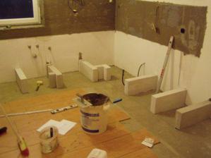 zaciname s murovanim kuchyne...