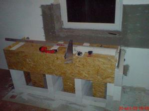 pokracuje sa salovanim pracovnej dosky, bude zaliata betonom a to to pojde obklad