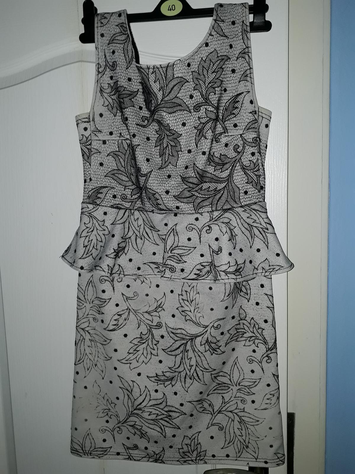 dámské šaty s volánkem, vel M, Apricot - Obrázek č. 1