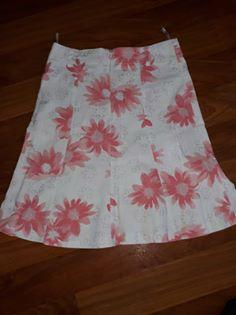 sukně s květy, vel 40 - Obrázek č. 1