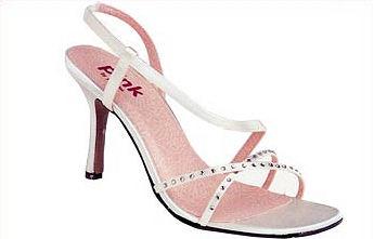 Katka a Juraj - premyslim, ktere boty...trochu moc vysoky podpatek