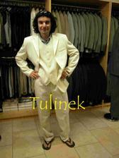 oblek, ktery jsme chteli koupit na Slovensku, ale nebyl dost slavnostni