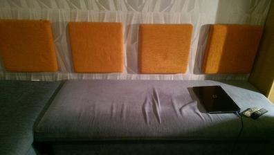 kocky na zateplenej stene sadrokartonom