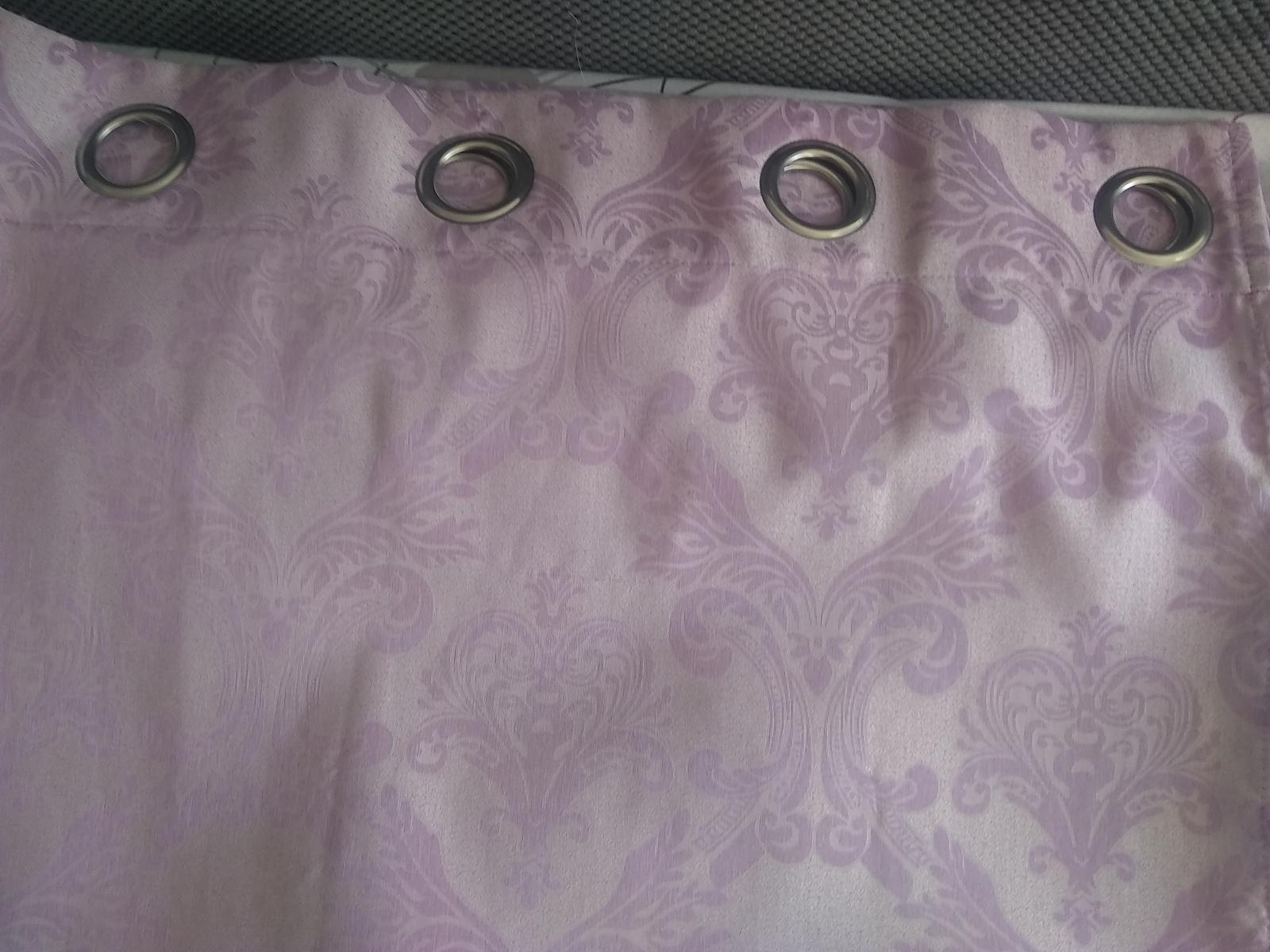 fialove zavesy - Obrázok č. 1