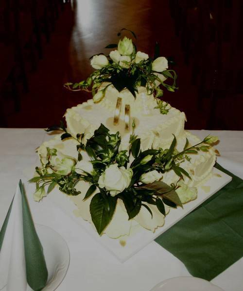 Svatební dorty - s živými květy