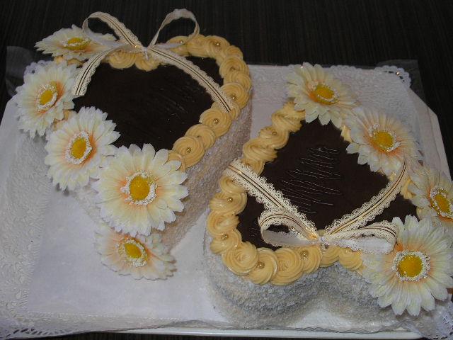 Svatební dorty - dva dorty