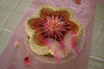Motýlkový dortík...