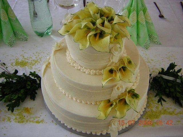 Svatební dorty album č. 2 - krásný, zdobený kalama