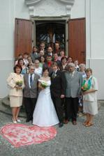 foto všech svatebčanů