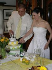 krájíme krásný a dobrý dortík
