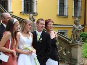Mamička, bratček a sestrička Eliška