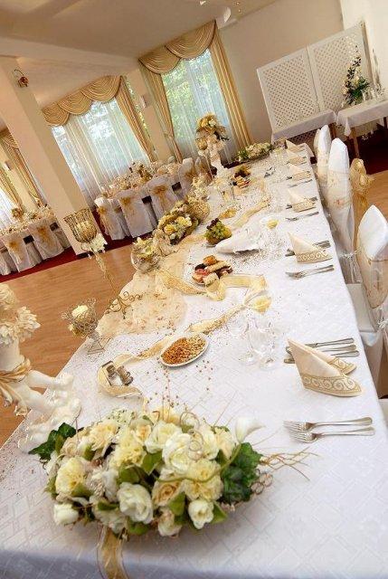 Our wedding day 10.4.2010 - bielo - zlatej