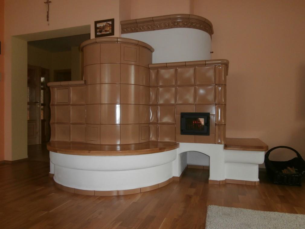 ekowarm - Naša ťažká akumulačná kachľová pec s tirolským spaľovaním - vykuruje  celý dom ( 160 m² )