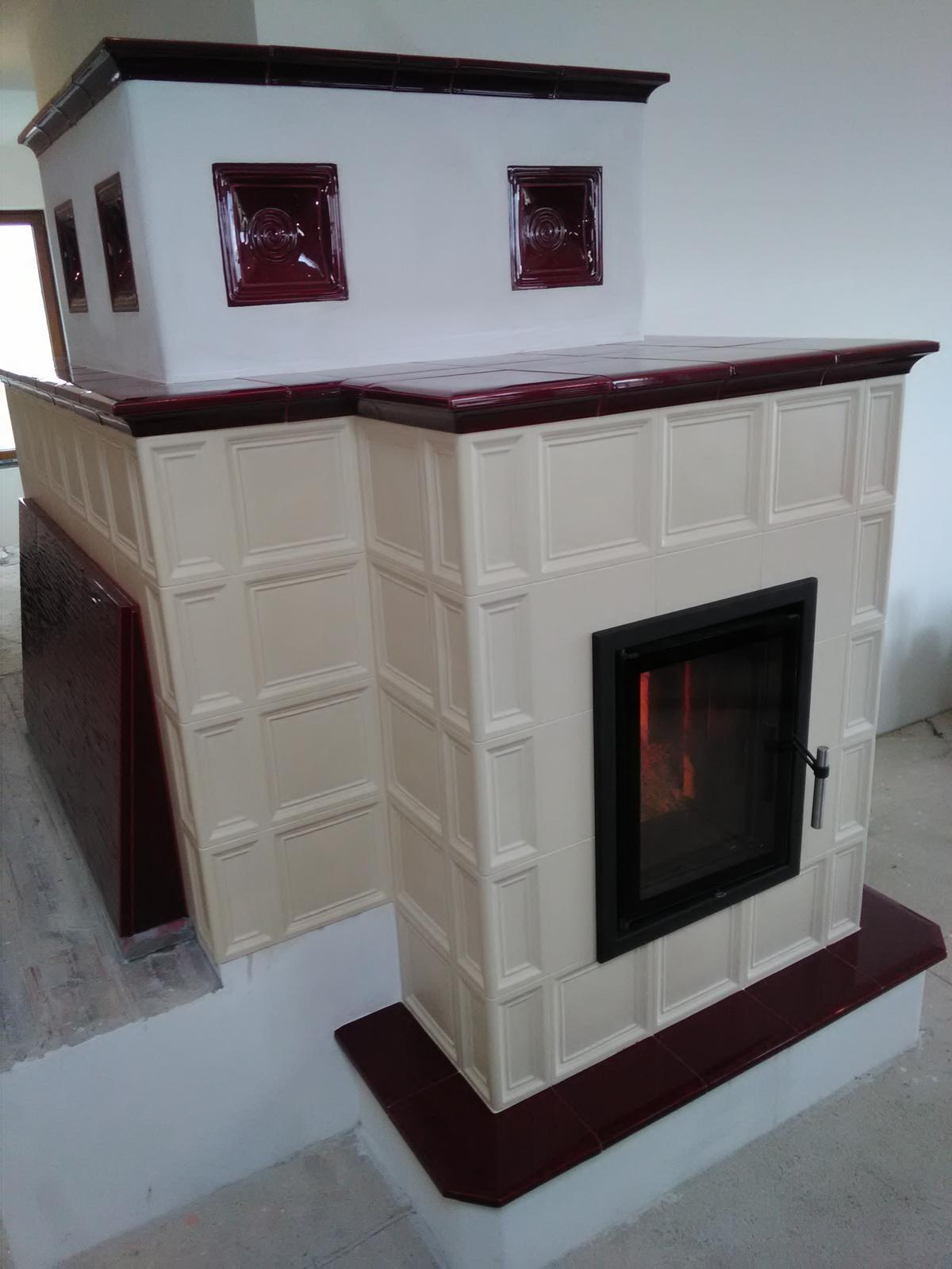 Kachľová pec - Ťažká akumulačná kachľová pec, keramika HEIN, prikladacie dvierka JOKR - dvojsklo.