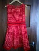 Červené šaty s bodkami, v. 38-40, 38