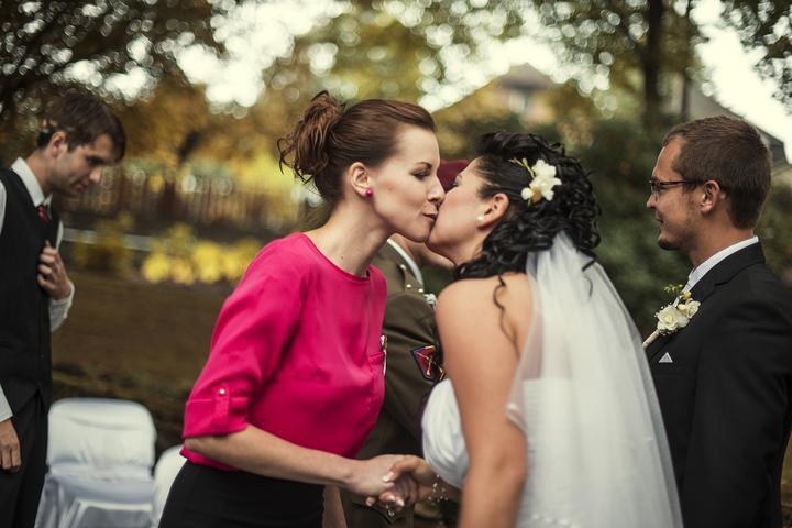 Deniska{{_AND_}}Honzík :) - Moje družička Verunka...:) svatební kytice a veškeré květiny na svatbě - to vše je její práce...:)