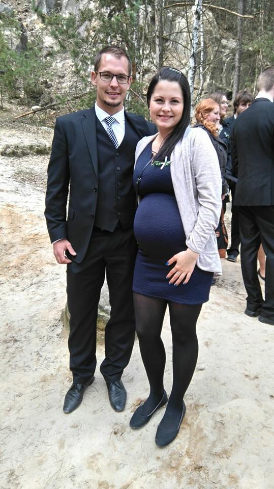 Deniska{{_AND_}}Honzík :) - Včerejší svatba..:-) a už se pěkně kulatím, ještě dva měsíce a budeme tři...:-)