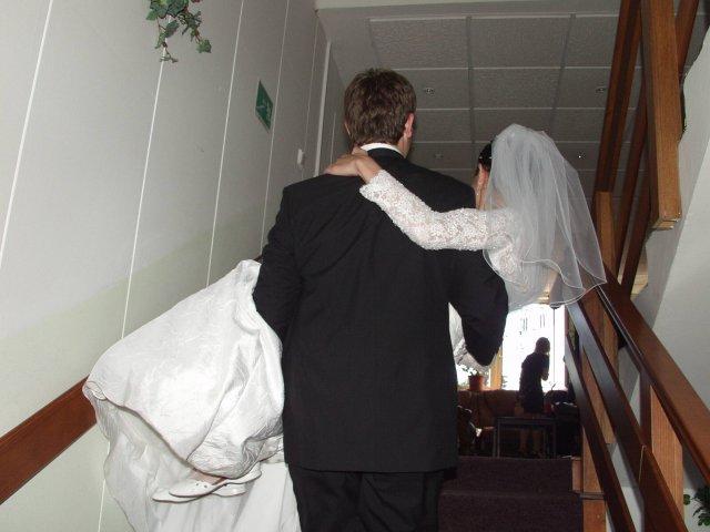 Janka{{_AND_}}Števo - Po schodoch...tych v Rapide naozaj nie je malo, ale zvladol to:)