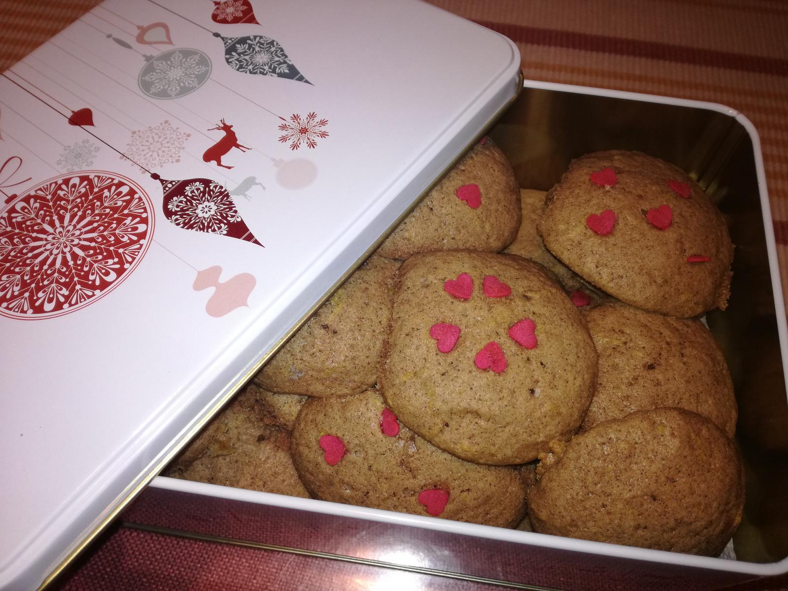🎄🎁🍪Napečené, darčeky pobalené takto handmade...už len dovariť. Želám Vám dievčence krásne a pokojné Vianoce v kruhu najbližších 😘 #diywrappinggift #gingercookie #stastneavesele - Obrázok č. 2