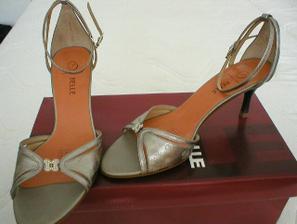 Sandálky - tanečníčky, keď ma už v bielych budú bolieť nôžky.
