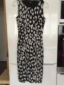 Strakaté bílo-černé elastické šaty, 36