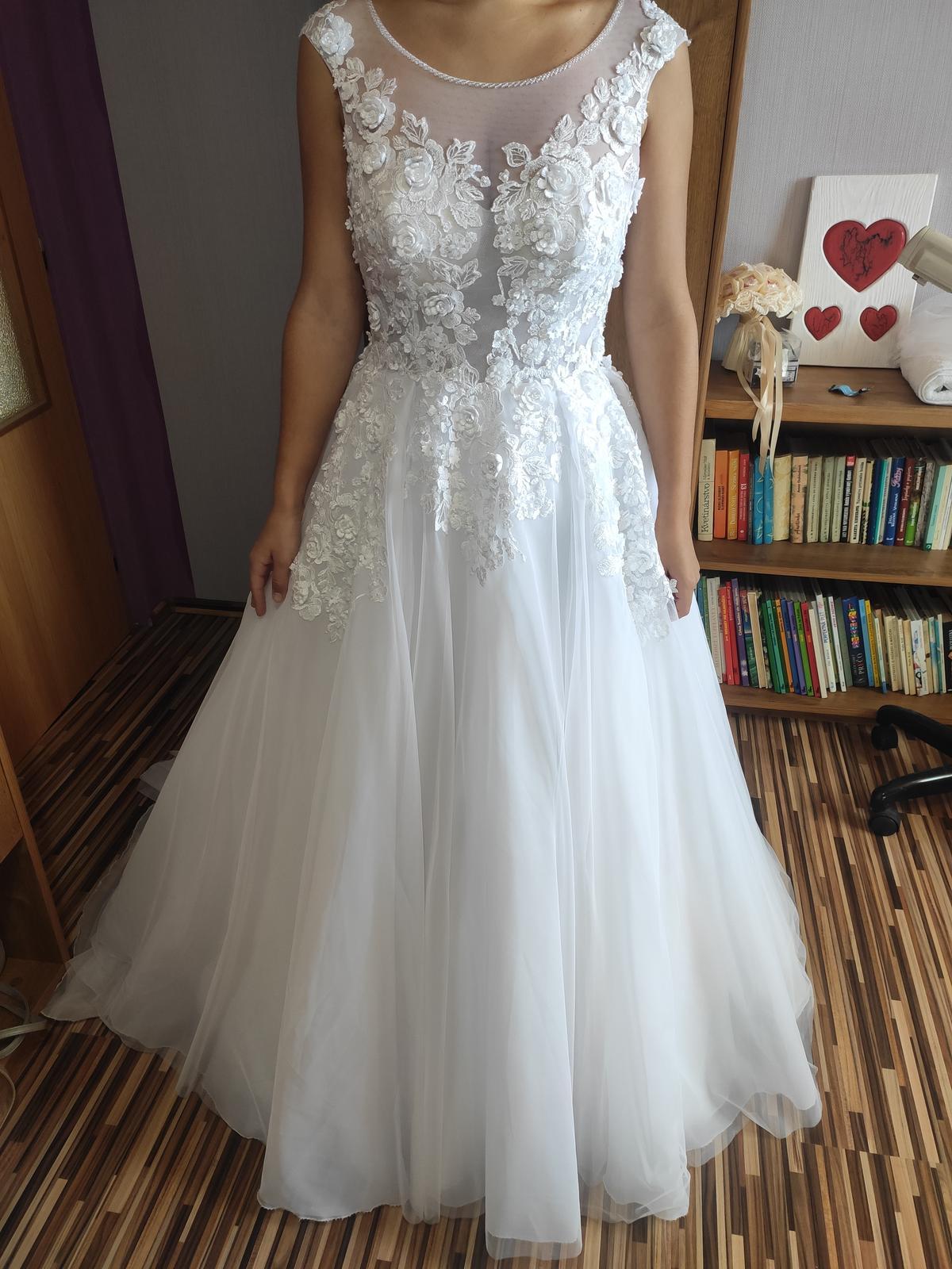 Predám svadobné šaty - Obrázok č. 4