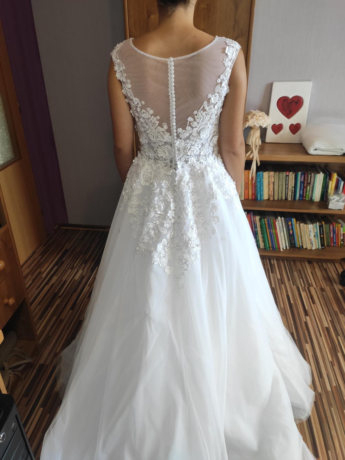 Predávam svoje svadobné šaty - Obrázok č. 2