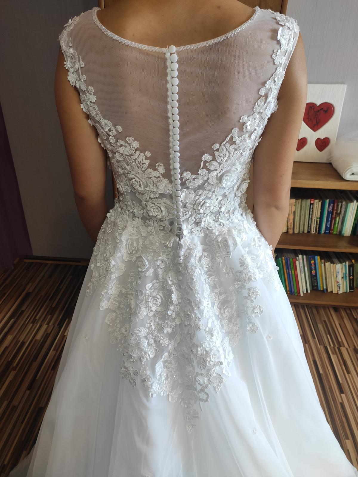 Predávam svoje svadobné šaty - Obrázok č. 3