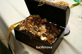 poklad akoby vykopany zo zahradky (svadobny dar) - chceli sme peniazky :-)