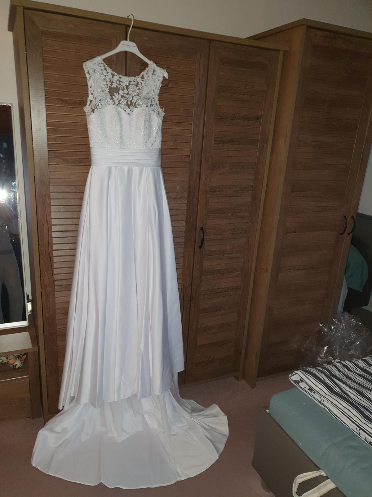 Svatební šaty, vel.36 - Obrázek č. 1