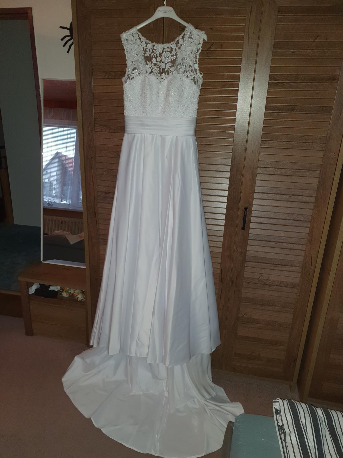 Svatební šaty, vel.36 - Obrázek č. 2