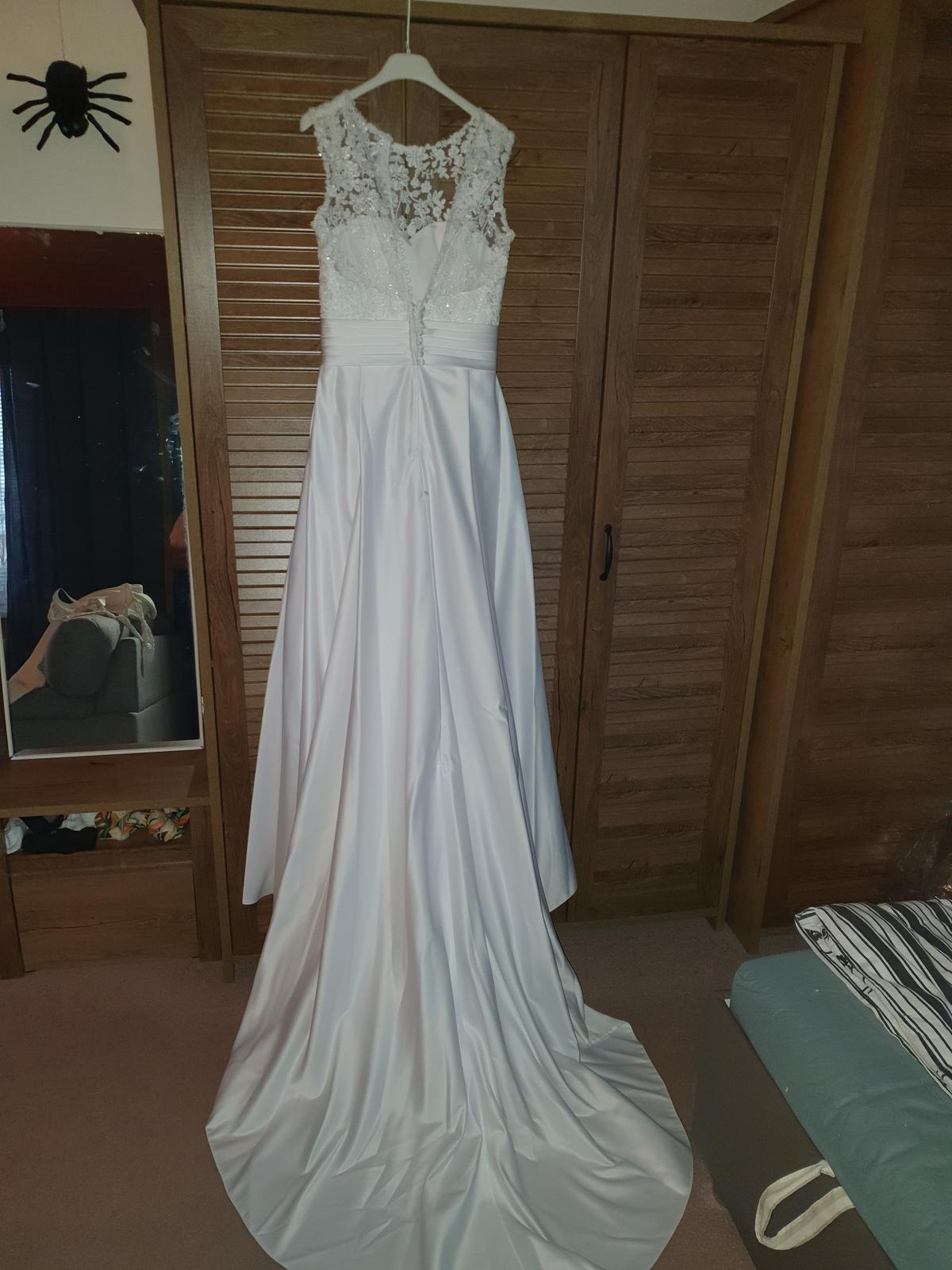 Svatební šaty, vel.36 - Obrázek č. 4
