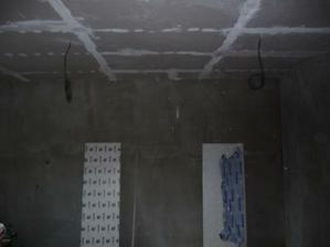 Ložnice, už se rýsuje strop