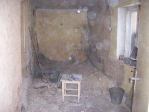 bývalá kuchyň, budoucí koupelna