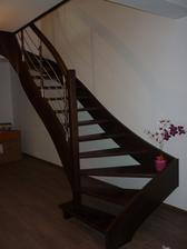konečne máme schody - pohľad z obývačky