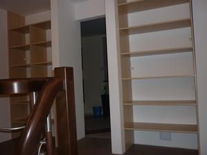 skrine na poschodí