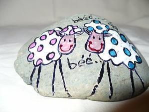 Maľované kamienky ako darček pre hostí...