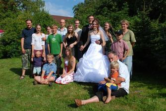 Nevěstina rodina...
