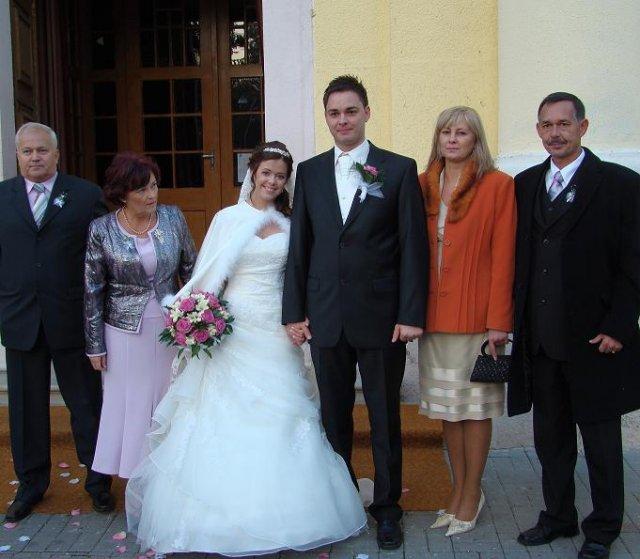 Dominika Kučerová{{_AND_}}Vladimír Dreška - s našimi rodičmi po obrade