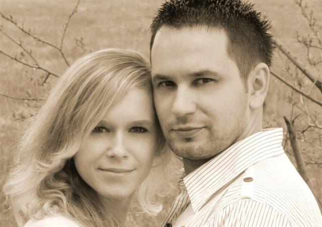 E & P 10.7.2010 - a to sme my na fotke zo svadobného oznámenia