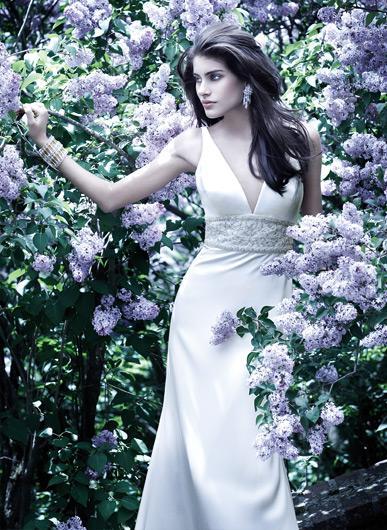 16.3.2007 - to fialkové pozadí je neodolatelné... květnová nevěsta:))