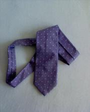 kravata je koupena...